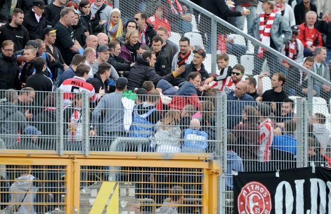 05 10 2014 xfux Fussball 2 Bundesliga SV Darmstadt 98 Fortuna Duesseldorf v l Gewalt Auseina