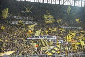 BVB-Fanaktion gegen Nazis auf der Südtribüne