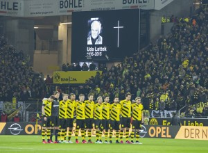 Dortmund 04 02 2015 Signal Iduna Park BvB Spieler trauern um Trainer Udo Lattek Borussia Dortmund