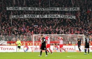Trikot Nr 7 Aktion für den an Krebs erkrankten Unionspieler Benjamin Köhler Fußball Fussball zw